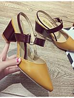 baratos -Mulheres Sapatos Confortáveis Couro Sintético Verão Saltos Salto Robusto Branco / Amarelo / Marron