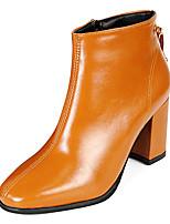 Недорогие -Жен. Fashion Boots Полиуретан Осень Минимализм Ботинки На толстом каблуке Ботинки Черный / Коричневый