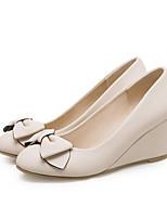 Недорогие -Жен. Комфортная обувь Полиуретан Весна Обувь на каблуках Туфли на танкетке Белый / Бежевый / Розовый