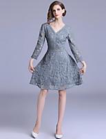 Недорогие -Жен. Изысканный / Элегантный стиль А-силуэт Платье - Однотонный, Кружева До колена