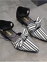 Недорогие -Жен. Комфортная обувь Полиуретан Лето Обувь на каблуках На толстом каблуке Черный / Бежевый