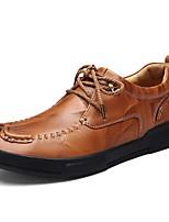 baratos -Homens Sapatos de couro Pele Outono Clássico / Casual Oxfords Manter Quente Preto / Marron
