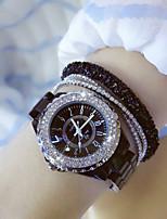 abordables -Femme Montre Bracelet Quartz Design nouveau Cool Imitation de diamant Céramique Bande Analogique Mode Noir / Blanc - Blanc Noir / Acier Inoxydable