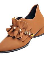Недорогие -Жен. Комфортная обувь Полиуретан Зима На каждый день Обувь на каблуках На толстом каблуке Бусины Черный / Коричневый / Повседневные
