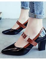 Недорогие -Жен. Комфортная обувь Полиуретан Осень Обувь на каблуках На толстом каблуке Черный / Бежевый