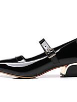 Недорогие -Жен. Комфортная обувь Лакированная кожа Весна Обувь на каблуках На толстом каблуке Белый / Черный