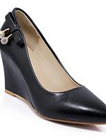 Недорогие -Жен. Комфортная обувь Полиуретан Лето Обувь на каблуках Туфли на танкетке Белый / Черный / Розовый
