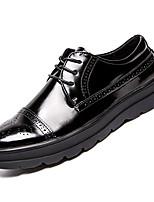 Недорогие -Муж. Комфортная обувь Полиуретан Осень Английский Туфли на шнуровке Нескользкий Черный