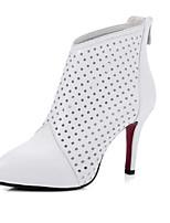 baratos -Mulheres Fashion Boots Pele Napa Primavera Botas Salto Agulha Dedo Fechado Botas Curtas / Ankle Branco / Preto