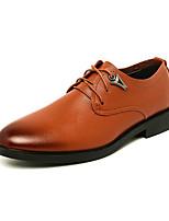 baratos -Homens Sapatos formais Couro Ecológico Primavera & Outono Casual Oxfords Use prova Preto / Marron