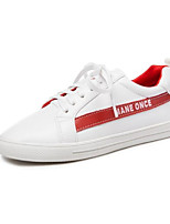 Недорогие -Жен. Комфортная обувь Полиуретан Осень Кеды На плоской подошве Закрытый мыс Белый / Черный / Красный