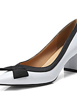 Недорогие -Жен. Комфортная обувь Наппа Leather Осень Обувь на каблуках На толстом каблуке Белый / Черный / Миндальный