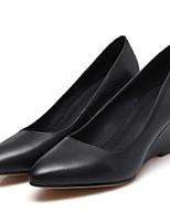 Недорогие -Жен. Комфортная обувь Наппа Leather Зима Обувь на каблуках Туфли на танкетке Белый / Черный / Розовый