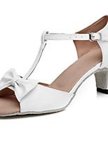 abordables -Femme Chaussures Latines Cuir Verni Sandale Noeud / Boucle Talon épais Chaussures de danse Blanc / argent