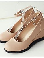 Недорогие -Жен. Комфортная обувь Полиуретан Весна Обувь на каблуках Туфли на танкетке Белый / Черный / Миндальный
