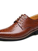 baratos -Homens Sapatos de couro Pele Outono Negócio / Formais Oxfords Manter Quente Preto / Marron