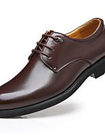baratos -Homens Sapatos Confortáveis Sintéticos Outono Negócio / Formais Oxfords Manter Quente Marron
