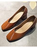 Недорогие -Жен. Комфортная обувь Полиуретан Весна Обувь на каблуках На толстом каблуке Черный / Коричневый / Светло-Розовый
