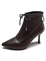 Недорогие -Жен. Fashion Boots Полиуретан Зима Ботинки На шпильке Заостренный носок Ботинки Черный / Коричневый