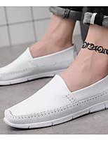 Недорогие -Муж. Комфортная обувь Кожа Весна Мокасины и Свитер Белый / Черный / Красный