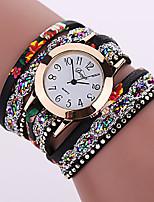 baratos -Mulheres Bracele Relógio Quartzo Relógio Casual Couro Banda Analógico Fashion Colorido Preta / Branco / Vermelho - Fúcsia Vermelho Verde Um ano Ciclo de Vida da Bateria