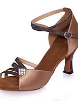 abordables -Femme Chaussures Latines Satin Sandale Strass / Boucle Talon Bobine Chaussures de danse Argent / Marron / Rouge