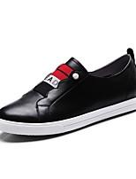 Недорогие -Жен. Комфортная обувь Наппа Leather Весна Кеды На плоской подошве Заостренный носок Белый / Черный