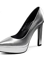 baratos -Mulheres Sapatos Confortáveis Pele Napa Outono Saltos Salto Agulha Branco / Preto / Prata
