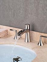 Недорогие -Ванная раковина кран - Водопад / Творчество Золотой Разбросанная Две ручки три отверстия