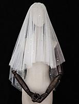 Недорогие -Четыре слоя Любовь / Европейский стиль Свадебные вуали Фата до локтя с Пайетки Тюль