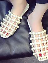 Недорогие -Жен. Комфортная обувь Полиуретан Лето Тапочки и Шлепанцы На плоской подошве Белый / Черный