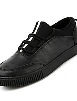 Недорогие -Муж. Комфортная обувь Полиуретан Осень Кеды Черно-белый / Черный / Красный