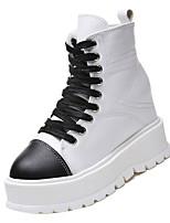 Недорогие -Жен. Комфортная обувь Полиуретан Осень На каждый день Ботинки Микропоры Круглый носок Ботинки Белый / Черный