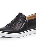Недорогие -Жен. Комфортная обувь Наппа Leather Весна Кеды Туфли на танкетке Закрытый мыс Белый / Черный