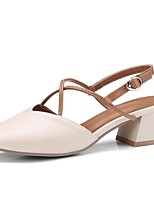 Недорогие -Жен. Комфортная обувь Микроволокно Весна лето Обувь на каблуках Блочная пятка Белый / Бежевый