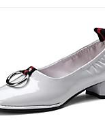 Недорогие -Жен. Комфортная обувь Наппа Leather Весна Обувь на каблуках На толстом каблуке Черный / Серый / Красный