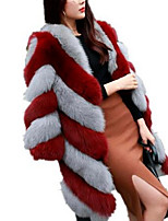 Недорогие -Жен. Повседневные Классический Наступила зима Большие размеры Длинная Пальто с мехом, Контрастных цветов Круглый вырез Длинный рукав Искусственный мех Красный / Розовый / Военно-зеленный XXL / XXXL