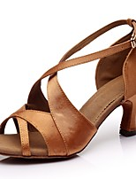 abordables -Femme Chaussures Latines Satin Talon Fantaisie Talon Cubain Personnalisables Chaussures de danse Marron