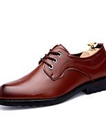 Недорогие -Муж. Комфортная обувь Полиуретан Зима Деловые Туфли на шнуровке Нескользкий Черный / Коричневый