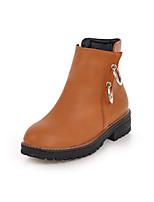 Недорогие -Жен. Полиуретан Наступила зима Минимализм Ботинки На низком каблуке Круглый носок Ботинки Белый / Черный / Желтый