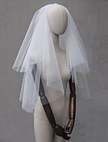 abordables -Deux couches Style classique / Amour Voiles de Mariée Voiles longueur coude avec Couleur Unie Tulle