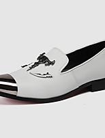Недорогие -Муж. Официальная обувь Наппа Leather Осень На каждый день / Английский Мокасины и Свитер Массаж Белый