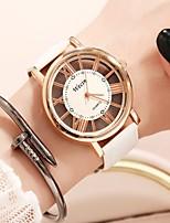 Недорогие -Жен. Наручные часы электронные часы Кварцевый Защита от влаги Повседневные часы Cool Кожа Группа Аналоговый На каждый день Мода Черный / Белый - Серебро / черный Белый / Золотистый Белый / Серебристый