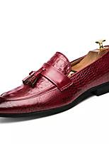 Недорогие -Муж. Комфортная обувь Кожа Осень Деловые Мокасины и Свитер Дышащий Черный / Красный
