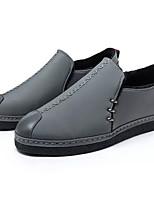 Недорогие -Муж. Комфортная обувь Полиуретан Зима На каждый день Мокасины и Свитер Нескользкий Черный / Серый / Красный