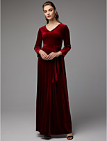 baratos -Linha A Decote V Longo Veludo Evento Formal Vestido com Faixa / Fita / Fenda Frontal de TS Couture®