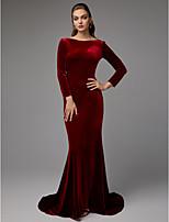 baratos -Sereia Decote Canoa Cauda Escova Veludo Evento Formal Vestido com Faixa / Fita de TS Couture®