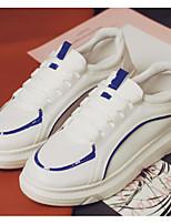 Недорогие -Жен. Комфортная обувь Полиуретан Осень Кеды На плоской подошве Черно-белый / Белый / синий