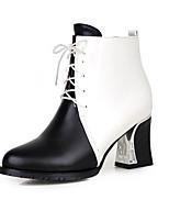 Недорогие -Жен. Замша Наступила зима Минимализм Ботинки На толстом каблуке Заостренный носок Ботинки Белый / Черный