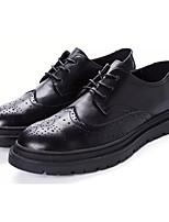 Недорогие -Муж. Комфортная обувь Полиуретан Осень На каждый день Туфли на шнуровке Нескользкий Черный / Серый
